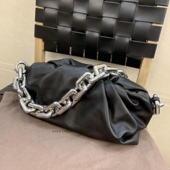 BV葆蝶家小红书博主推荐逛街包包私人订制包包